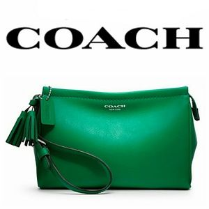 NWT Coach Legacy Large Leather Wristlet